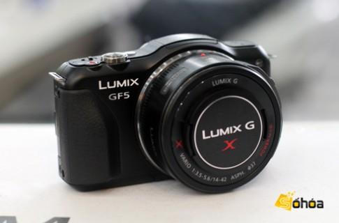 Lumix GF5 màn cảm ứng giá 14,5 triệu