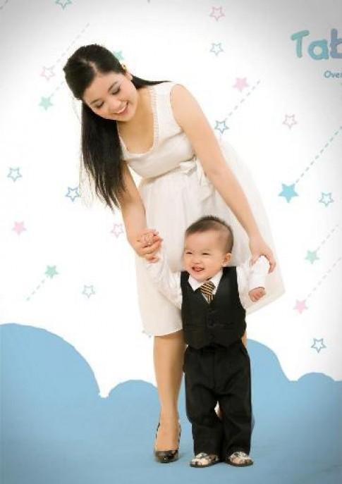 Luyện tập vận động cho trẻ 3-12 tháng tuổi