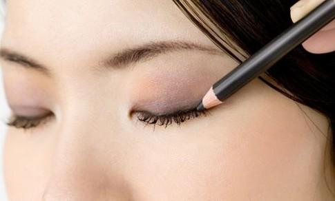 Mắt đẹp với 8 bước nhanh gọn