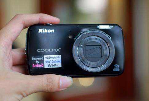 Máy ảnh chạy Android Nikon S800c có mặt ở VN