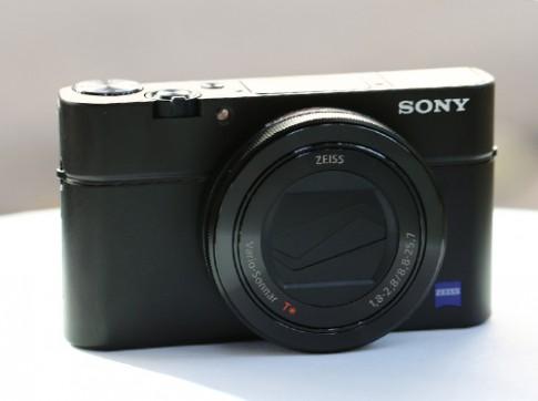 Máy ảnh compact cao cấp Sony RX100 III giá 19 triệu đồng