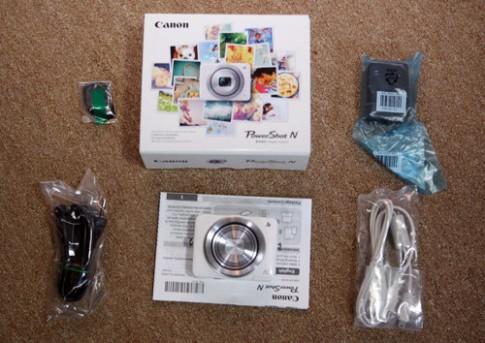 Máy ảnh compact độc đáo Powershot N của Canon