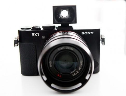 Máy ảnh compact full-frame của Sony giá gần 60 triệu