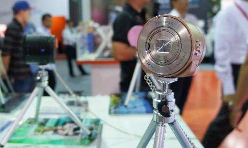 Máy ảnh dạng ống kính Sony QX