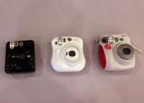 Máy ảnh Fujifilm chụp lấy hình ngay tại VN