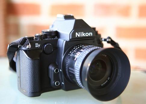 Máy ảnh full-frame Nikon Df về Việt Nam giá gần 58 triệu đồng