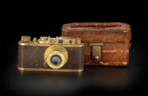 Máy ảnh Leica cổ mạ vàng có thể bán với giá 34 tỷ đồng
