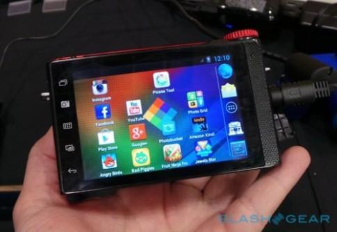 Máy ảnh thay ống kính chạy Android đầu tiên trên thế giới