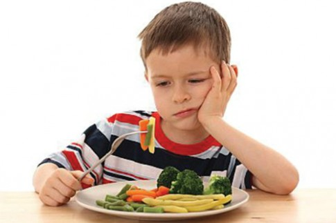 Mẹo giúp bé biếng ăn thêm ngon miệng