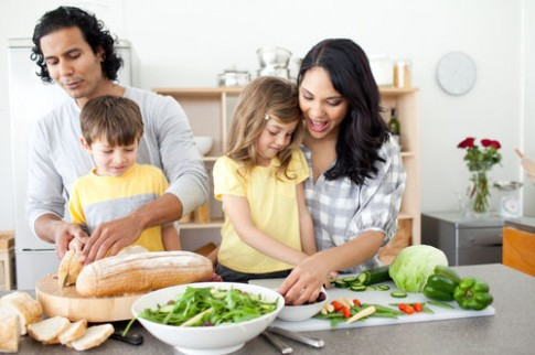 Mẹo giúp bé tránh xa thức ăn nhanh