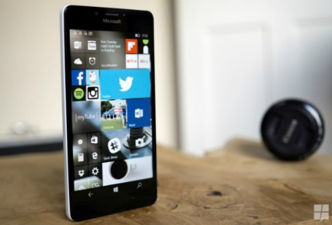 Microsoft chuyển trọng tâm khỏi smartphone