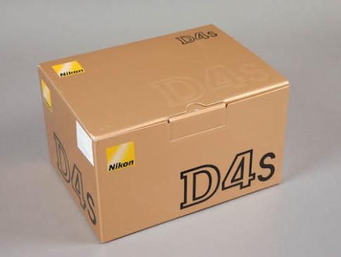 Mở hộp Nikon D4S tại Việt Nam