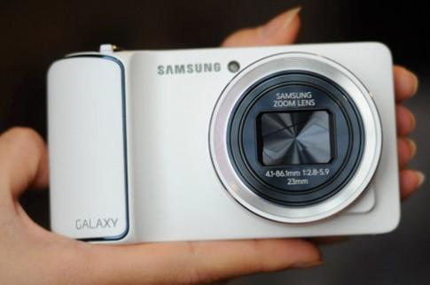 'Mổ xẻ' máy ảnh Samsung Galaxy Camera