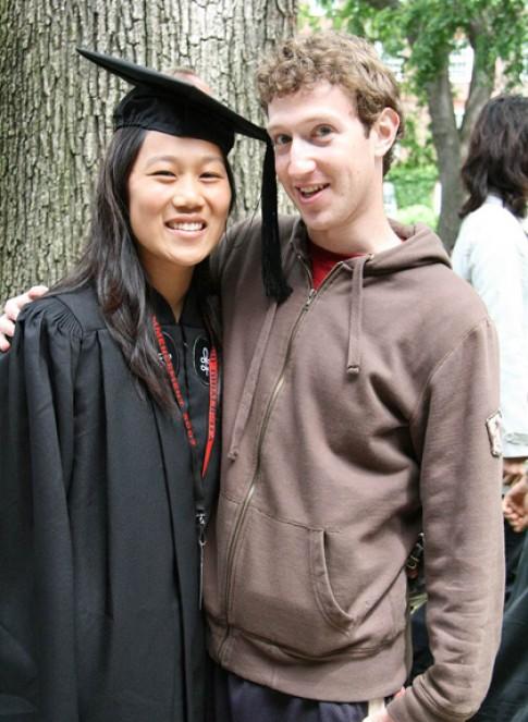Mối tình thủy chung của ông chủ Facebook và cô gái gốc Á