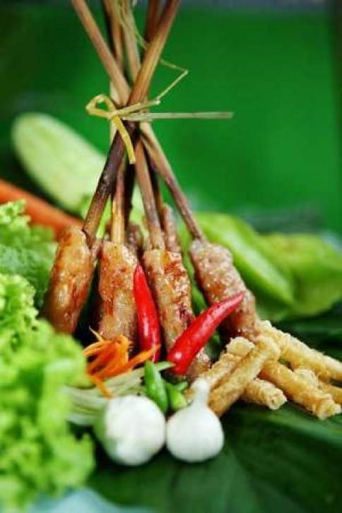 Nem nướng Gánh - đặc sản Nha Trang