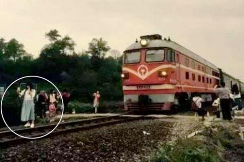 """Ngẫm lại bức ảnh cuối cùng của cô gái """"tự sướng"""" bên đường ray"""