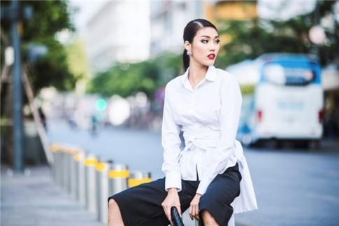 """Ngắm quý cô Lan Khuê """"sang chảnh"""" giữa lòng Sài Gòn"""