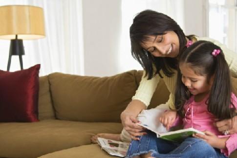 Ngày càng ít bố mẹ đọc truyện cho con