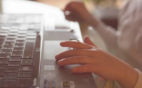 Ngày càng nhiều trẻ không phân biệt được thật giả trên internet