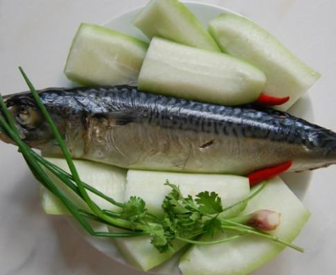 Ngọt nước canh bí xanh nấu cá nục hấp