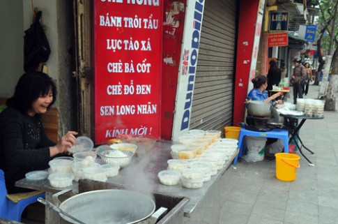 Người Hà Nội đón Tết Hàn thực