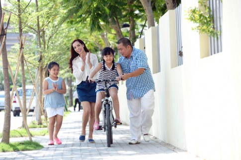 Nhiều cha mẹ thiếu thời gian vận động cùng con