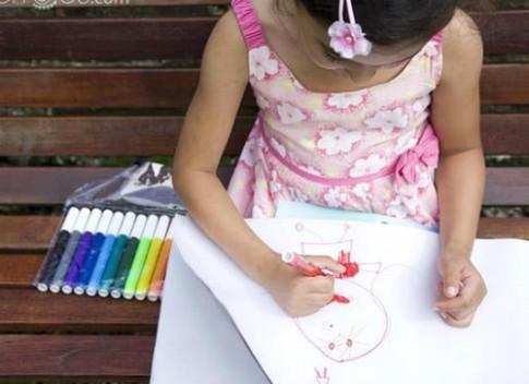 Những cách giúp bé hứng thú tập vẽ