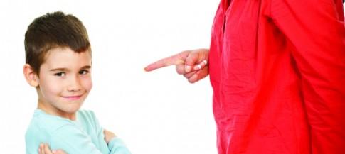 Những câu nói phản tác dụng giáo dục với trẻ