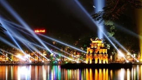 """Những con phố đẹp lung linh để """"pose"""" hình đón Tết ở Hà Nội"""