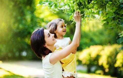 Những điều đơn giản ba mẹ làm để con thấy được yêu thương