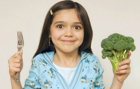 Những dưỡng chất cần thiết giúp con thông minh, mau lớn