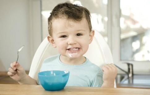 Những lý do khiến bé chán ăn