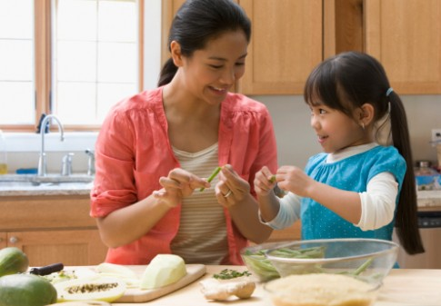 Những nguyên tắc khi dạy con làm việc nhà
