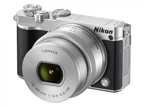 Nikon 1 J5 chụp liên tiếp 60 ảnh mỗi giây ra mắt