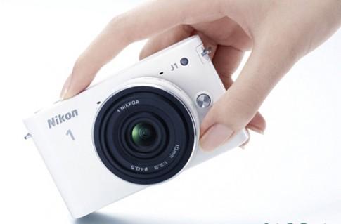 Nikon 1 nâng tốc độ chụp với firmware 1.2