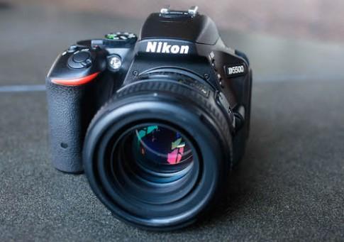 Nikon D5500 về Việt Nam giá 17 triệu đồng