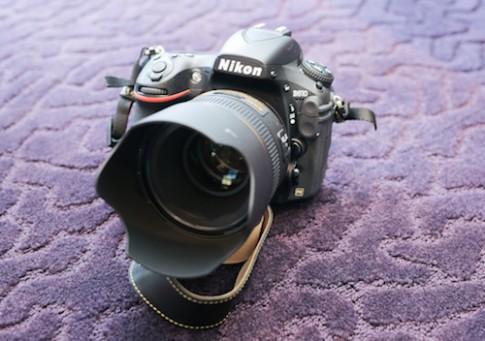 Nikon D810 chính hãng về Việt Nam giá gần 70 triệu đồng