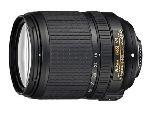 Nikon giới thiệu ống kính 18-140 mm và đèn flash SB-300 giá rẻ