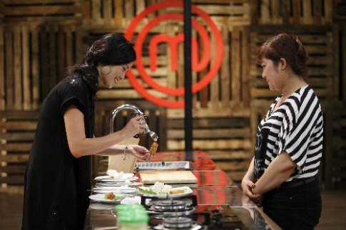 Nữ giám đốc giành tạp dề trắng đầu tiên Vua đầu bếp mùa 2