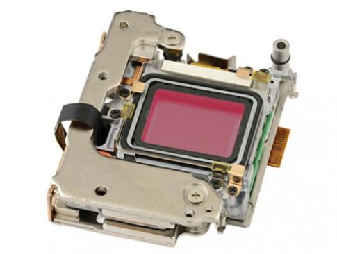 Olympus E-M5 dùng cảm biến Sony