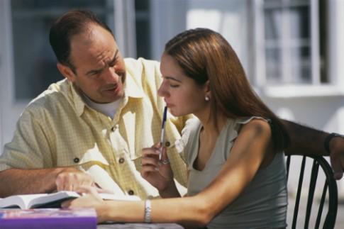 Ông bố khuyên con tuổi teen 'nếu sex, hãy làm ở nhà'