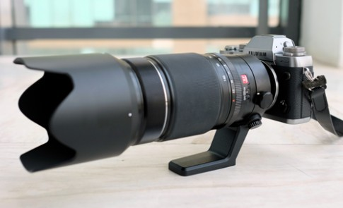 Ống kính 50-140 mm f/2.8 cho máy mirrorless của Fujifilm