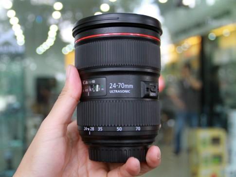 Ống kính Canon 24-70 mm phiên bản II về Việt Nam