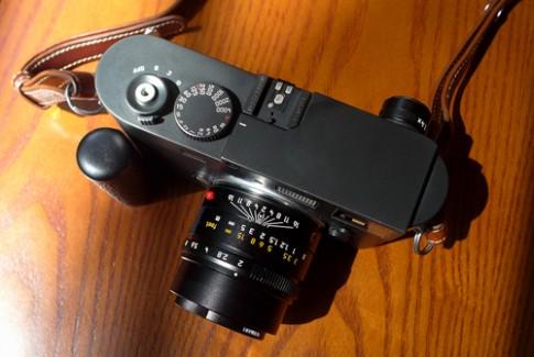 Ống kính cao cấp Leica 50 mm f/2 có giá 170 triệu đồng