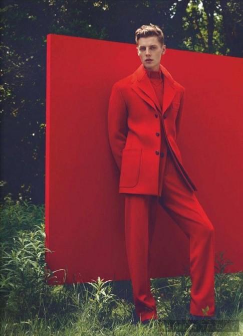 Phá tan không khí mùa lạnh với trang phục sặc sỡ trên Numéro Homme