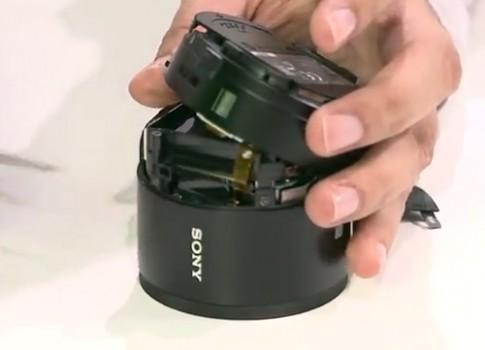 'Phẫu thuật' QX100 - máy ảnh kiểu dáng độc của Sony