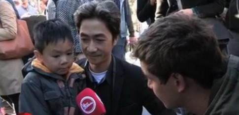 Phía sau câu chuyện hoa và súng của hai cha con trong vụ khủng bố Paris