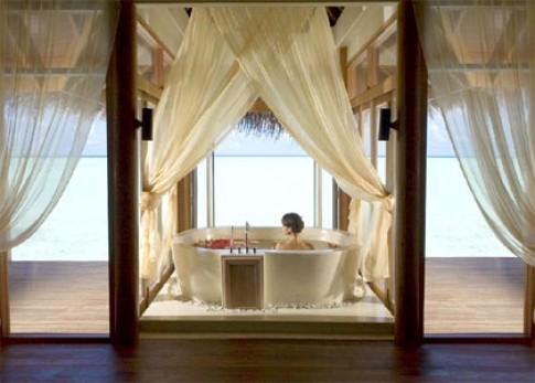 Phòng tắm mở ra thiên nhiên