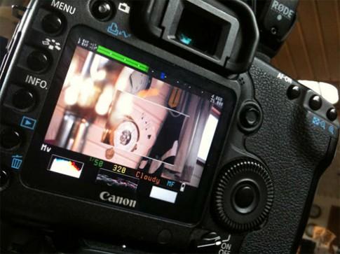Quay video time-lapse trực tiếp trên máy ảnh Canon