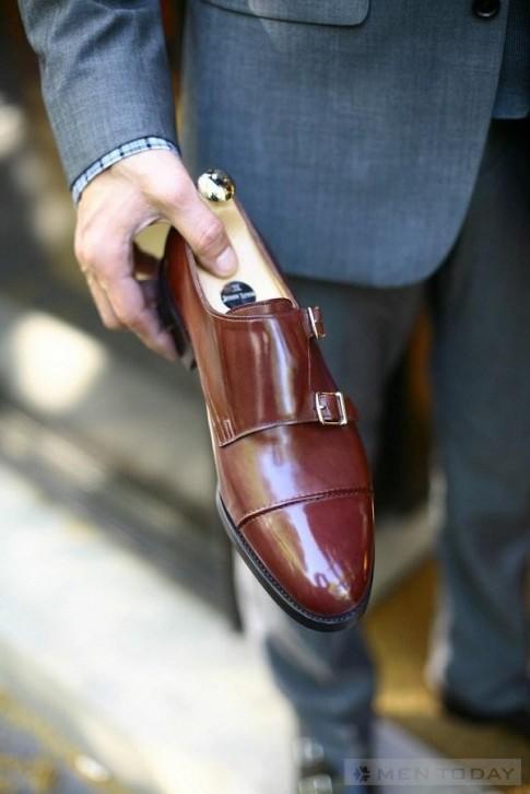 Sắm monkstrap cho tủ giày 2013